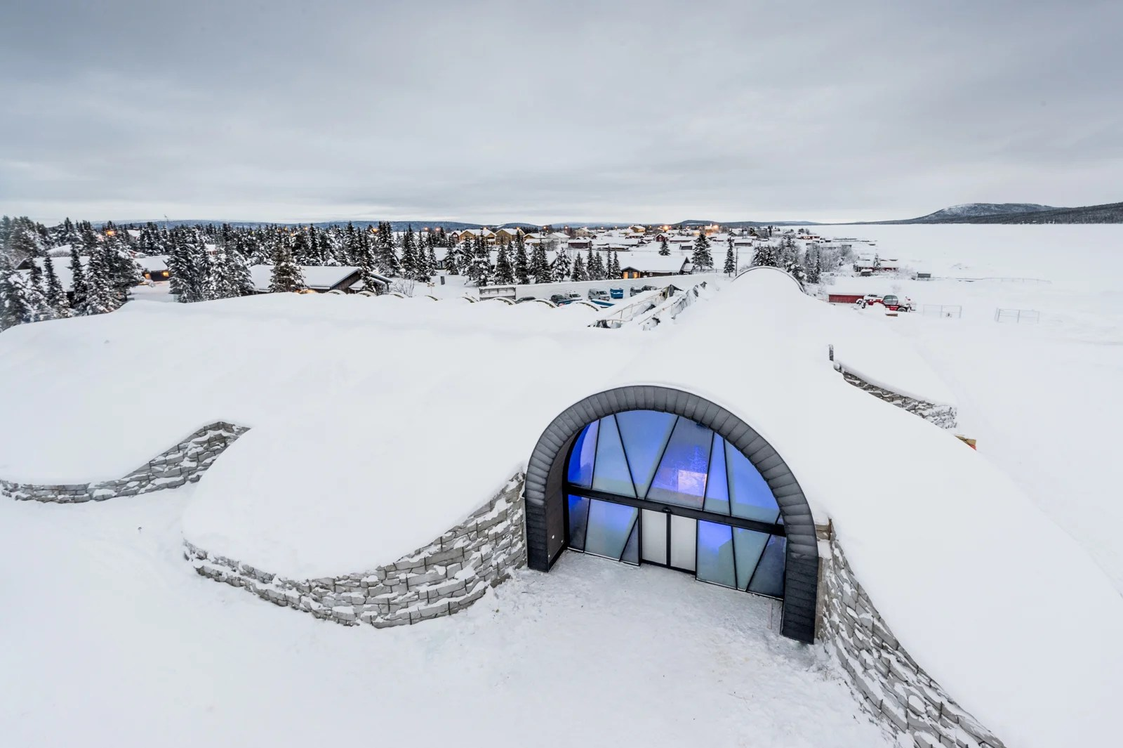 7 Thoughts That Go Through Your Mind When Sleeping in an Ice Hotel