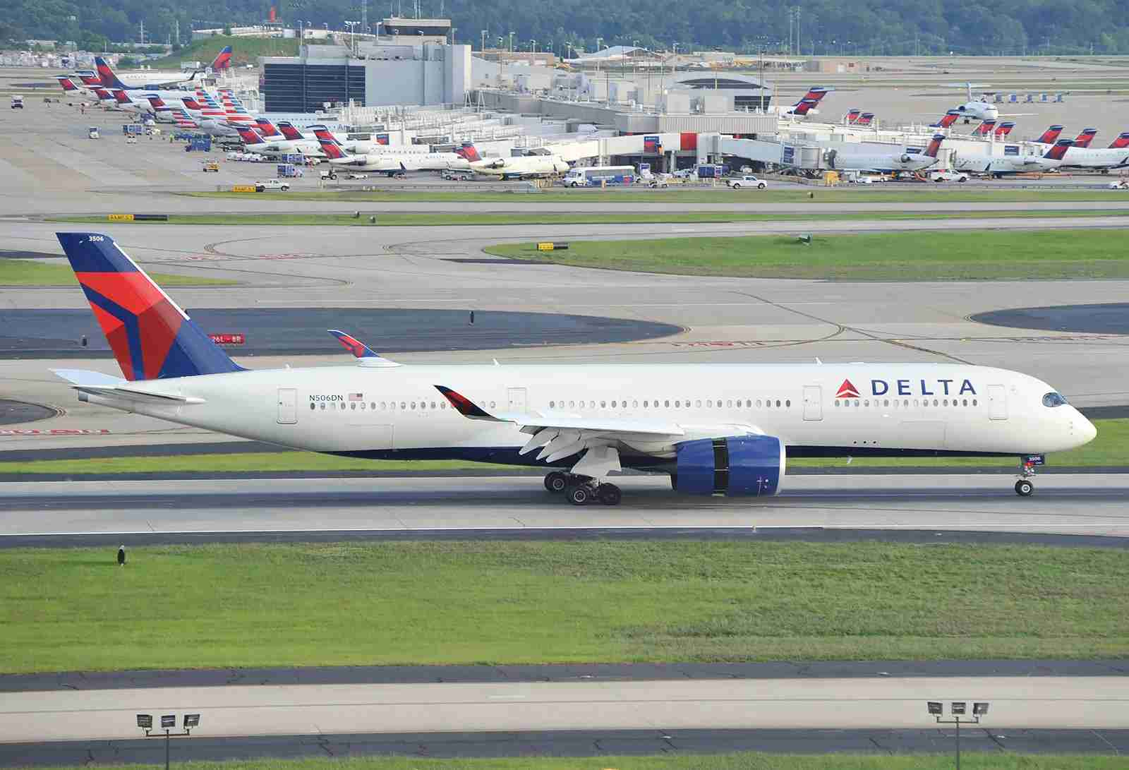 A Delta Airbus A350 at ATL (Photo by Alberto Riva/The Points Guy)