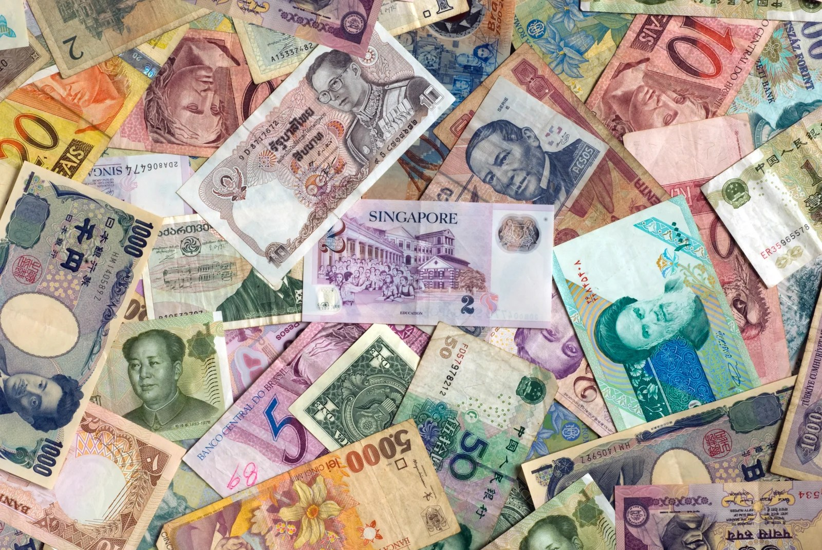 What to Know Before You Go: Exchanging Currency for an International Trip