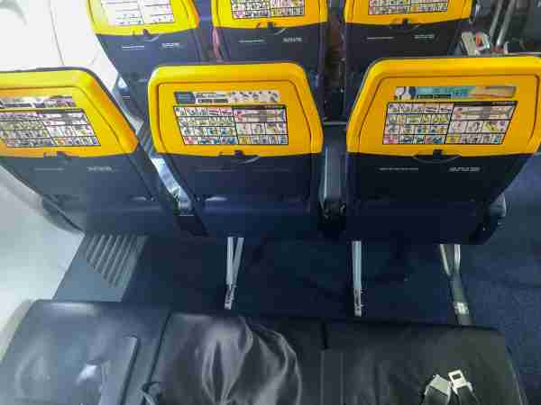 Legroom on a Ryanair flight between Madrid (MAD) and London (STN). (Photo by Lori Zaino for The Points Guy UK)