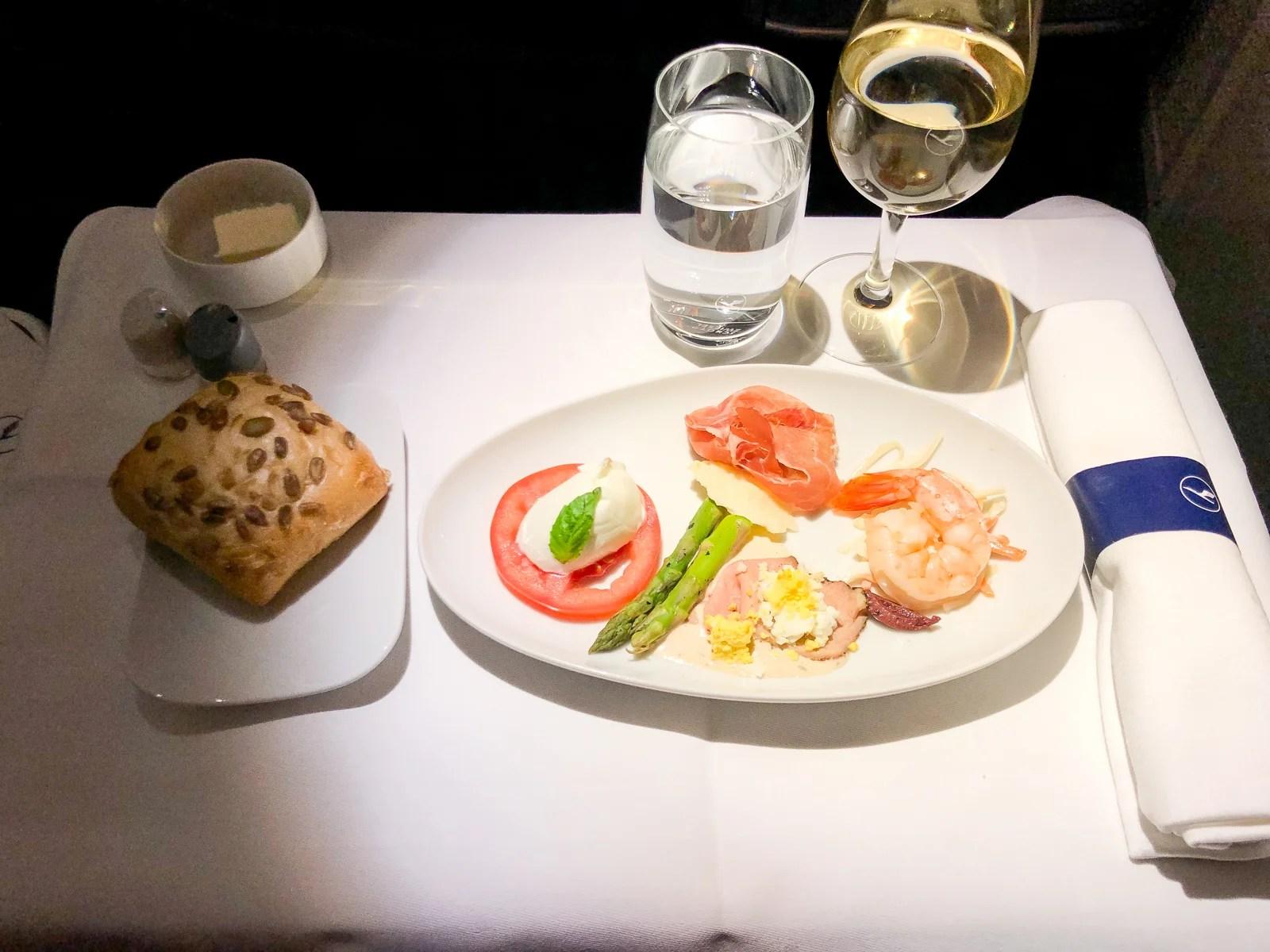 Lufthansa Business Class 747 8 Review Jfk To Frankfurt
