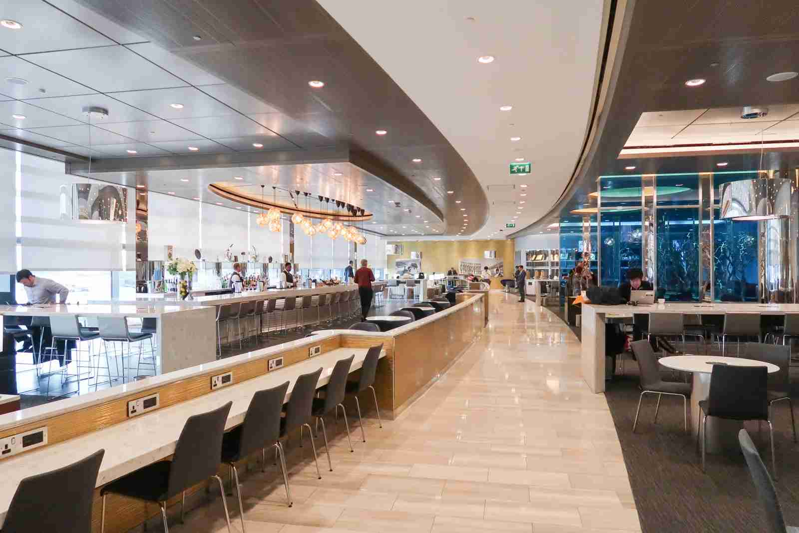 United Club at London Heathrow (Photo by Daniel Ross/The Points Guy)
