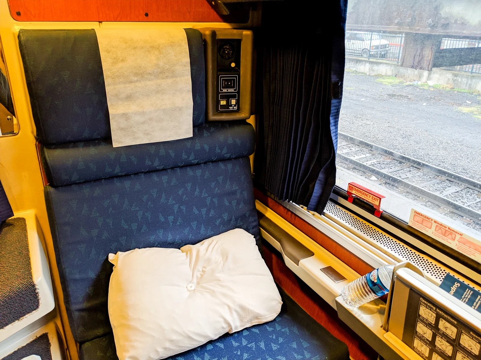 Train Review: Amtrak's Sleeper Car Roomette — Empire Builder