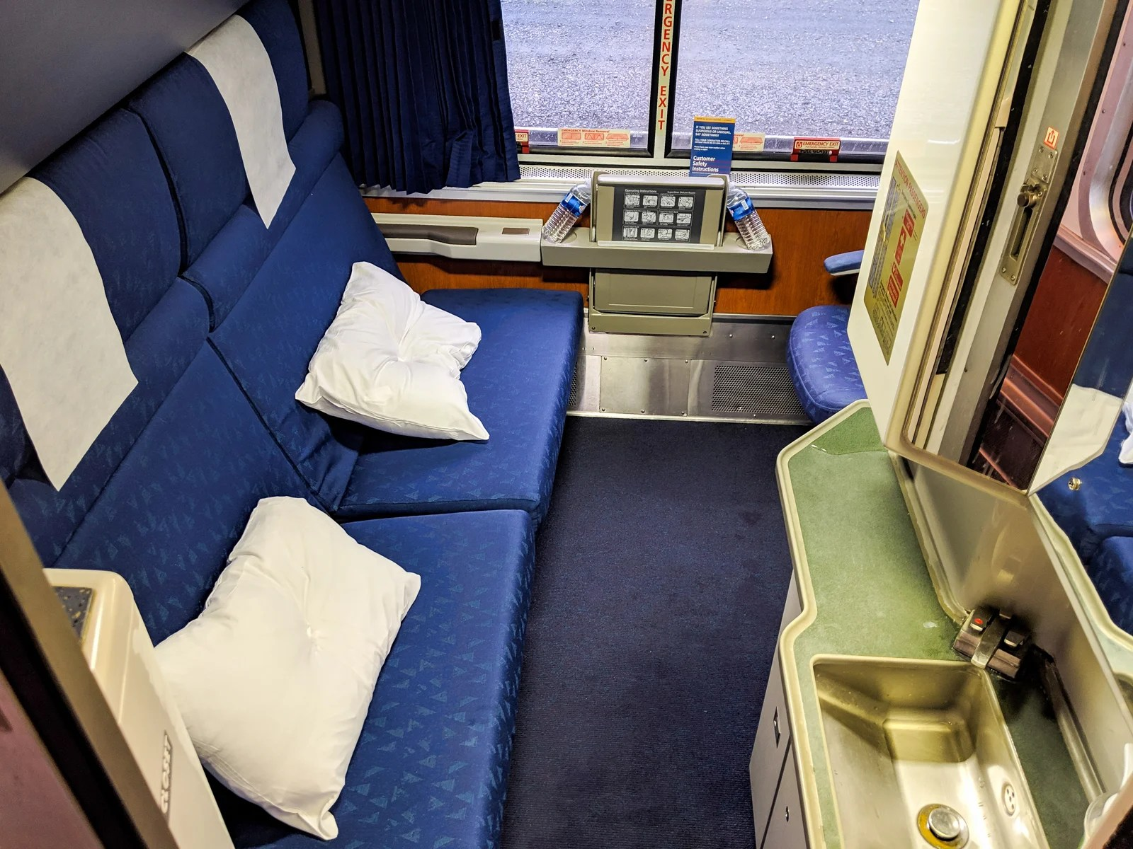 Review: Amtrak Empire Builder (Superliner Bedroom) - Live ...