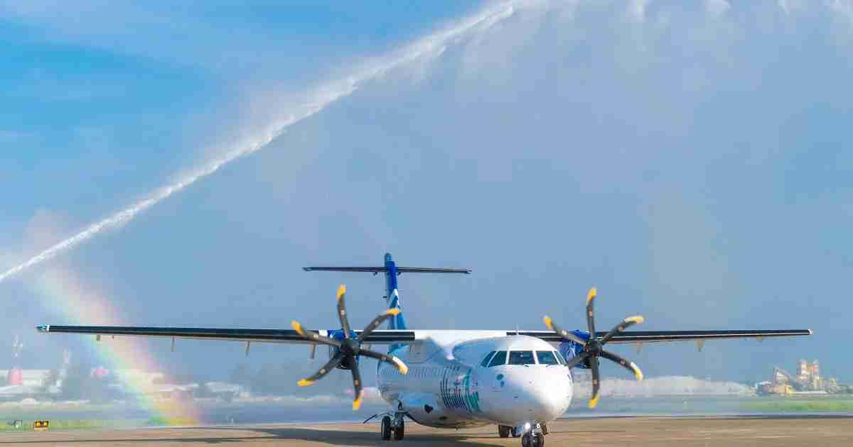 manta air mle airport arrival atr72-600