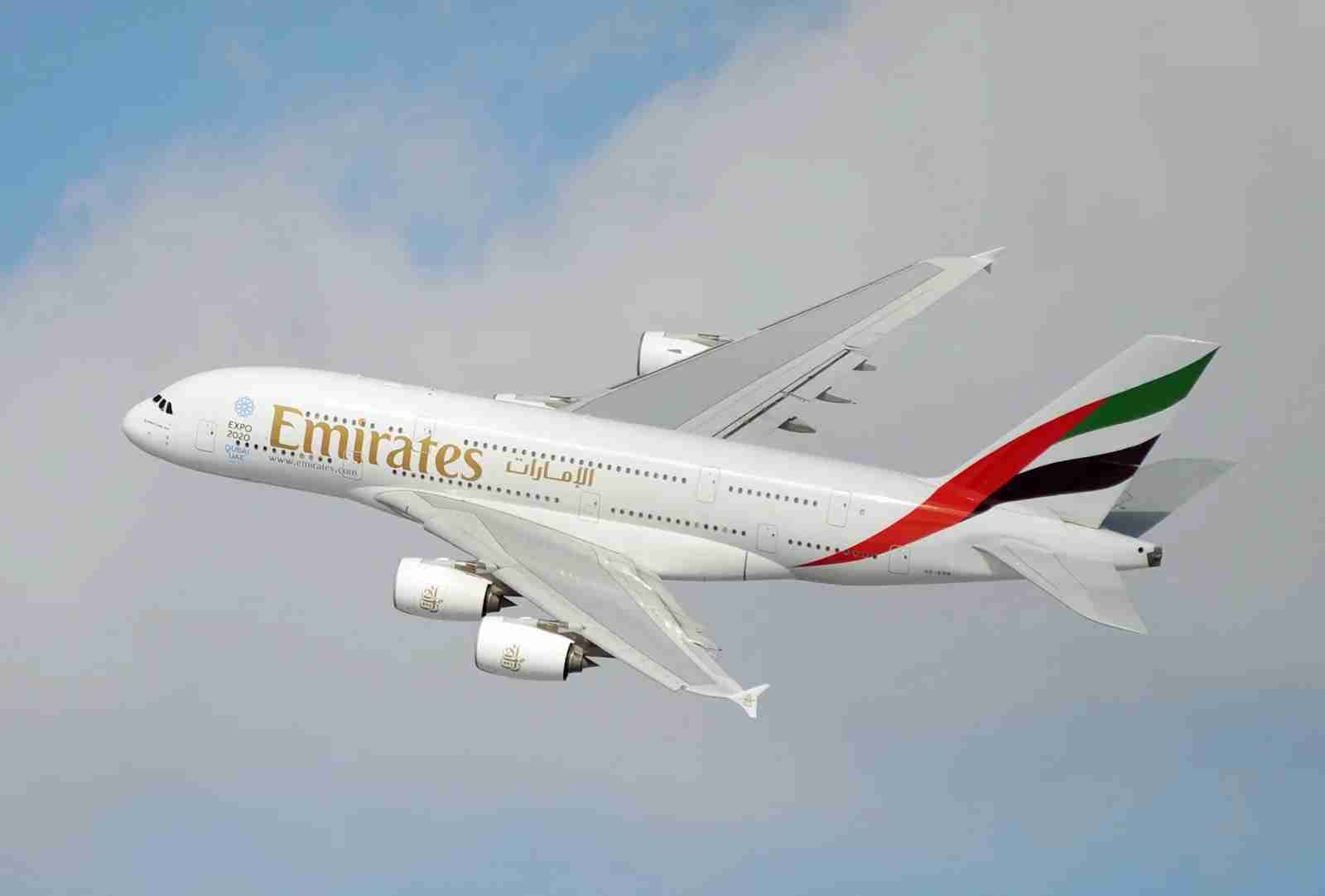An Emirates Airbus A380 banks on takeoff from New York JFK. (Photo by Alberto Riva/TPG)