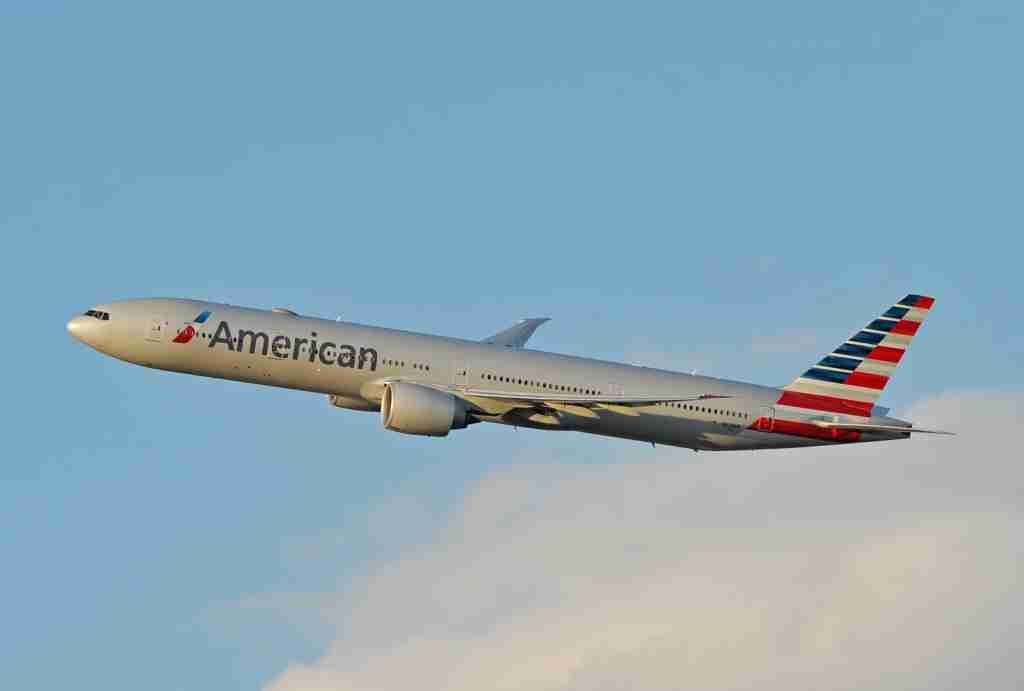 An American Airlines B777-300ER in flight (Photo by Alberto Riva/TPG)