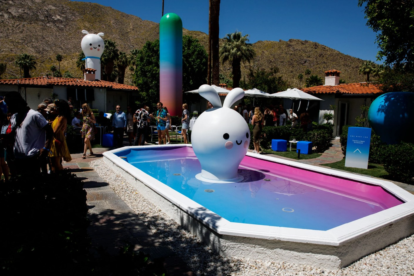 The Inflatable Sculpture Garden by FriendsWithYou at American Express Platinum House during Coachella weekend. (Photo by Patrick T. Fallon/The Points Guy)