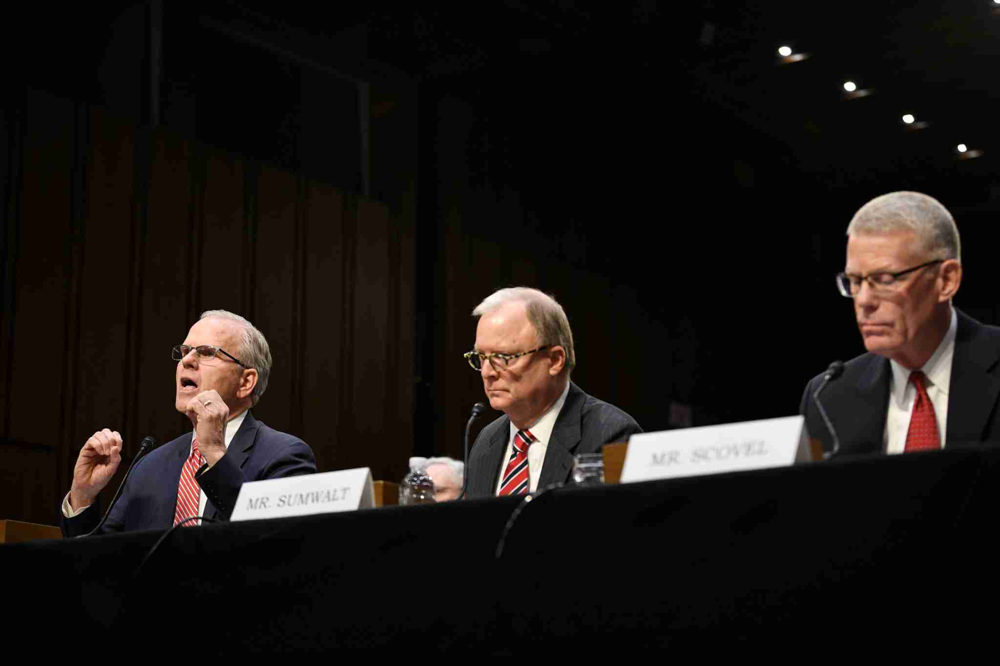 WASHINGTON, March 27, 2019 -- Daniel Elwell L, acting administrator of the U.S. Federal Aviation Administration, Robert Sumwalt C, Chairman of the U.S. National Transportation Safety Board (NTSB), and Calvin Scovel, the U.S. Transportation Department