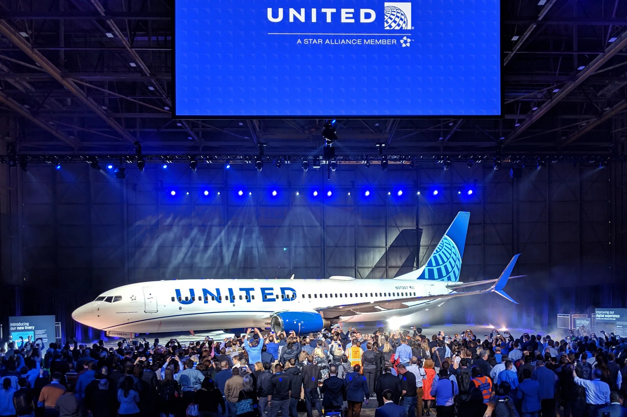 It's Going to Take up to 7 Years to Repaint United's Entire Fleet