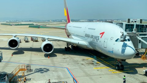 A South Korean court ordered Asiana Airlines to suspend San Francisco flights