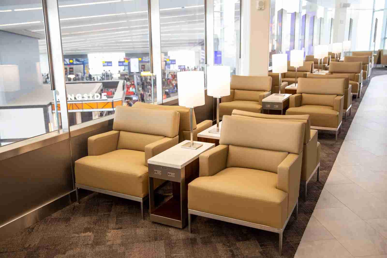 United Club LGA Terminal B
