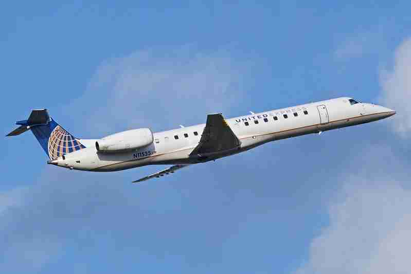 A United Express Embraer 145 operated by ExpressJet takes off. (Photo by Alan Wilson via Flicker)