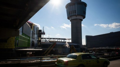 Your Guide to Taxis, Ubers and Lyfts During LaGuardia