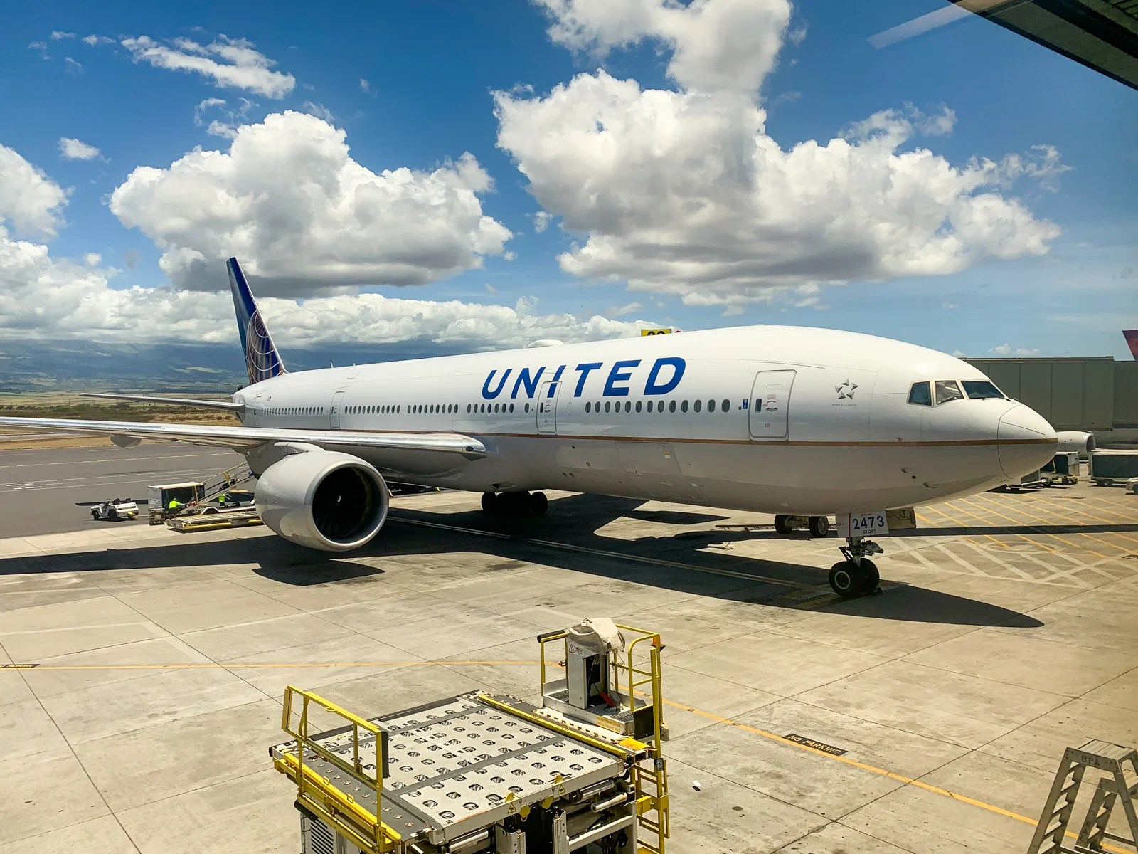United to offer free sandwiches on more Honolulu flights