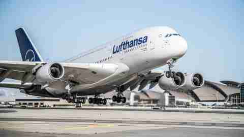 Lufthansa-A380-at-Los-Angeles-International-LAX-3