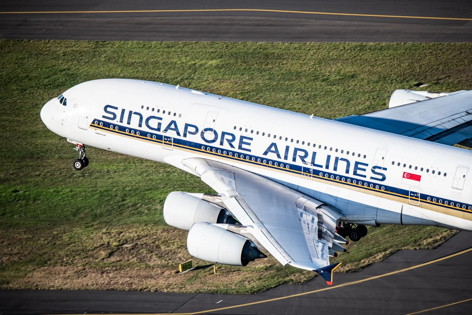 Deal Alert: Fly Singapore Airlines for $490 R/T, Premium Economy for $890