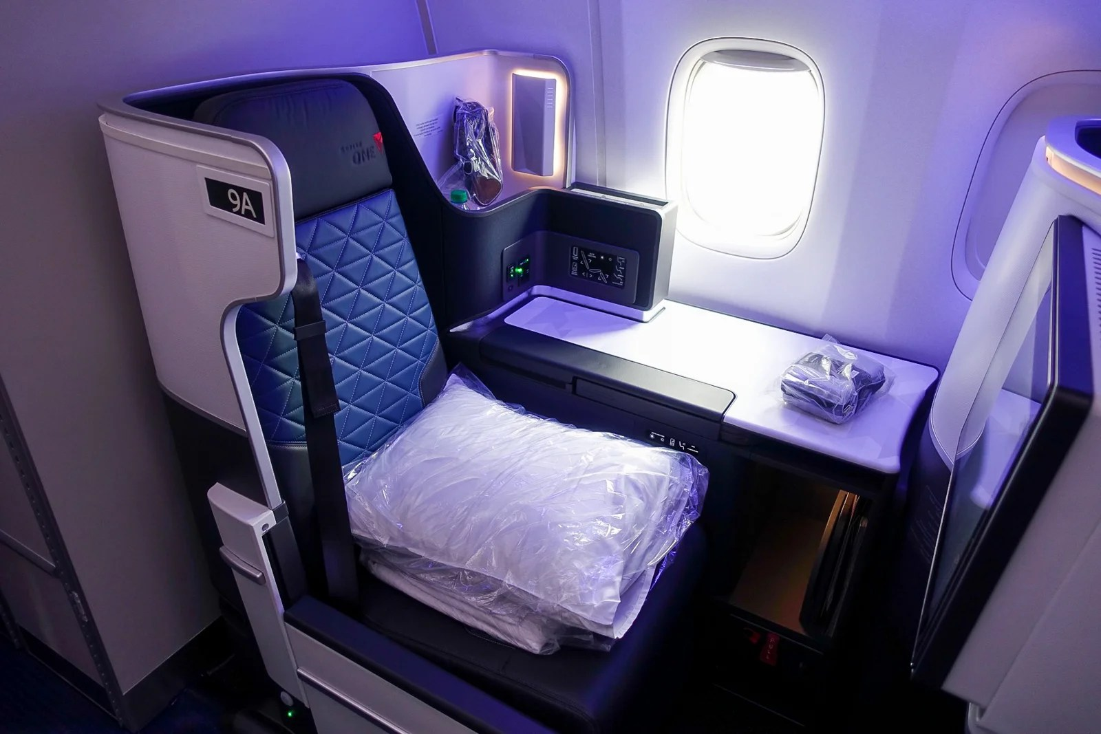 Aboard Delta's First Retroed 767-400ER With Brand-New ... on delta boeing 767-400, boeing 767 business seat map, delta boeing 747 seat map, delta 757 seat map, delta airlines seat map, delta boeing 777-300er seat map, united airlines 767 seat map, delta 767-400er seat map, delta seating chart,