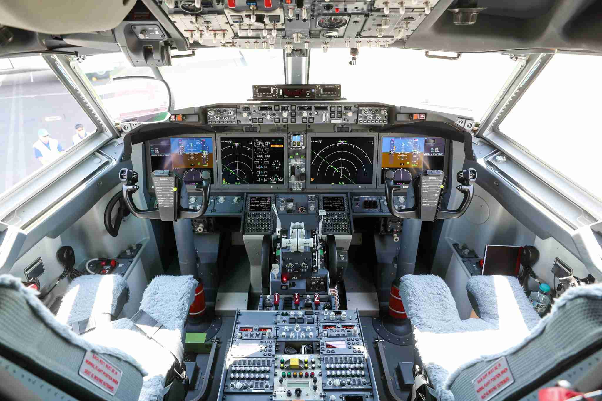 The flight deck of a Boeing 737 MAX 7 as seen in 2018 (Image by Simon Dawson/Bloomberg via Getty Images)