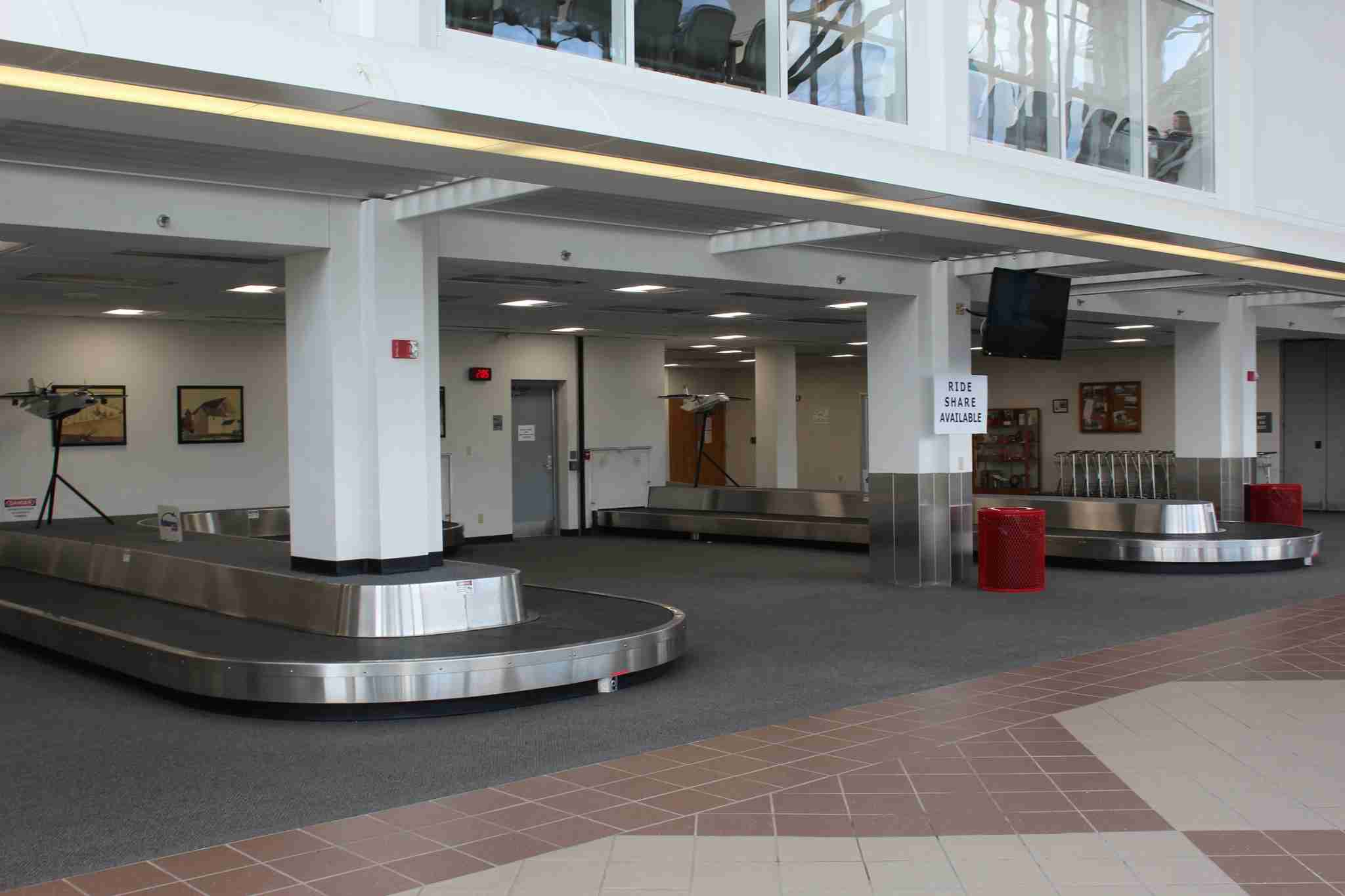 Baggage claim at MidAmerica Airport (Image by Max Prosperi/The Points Guy)