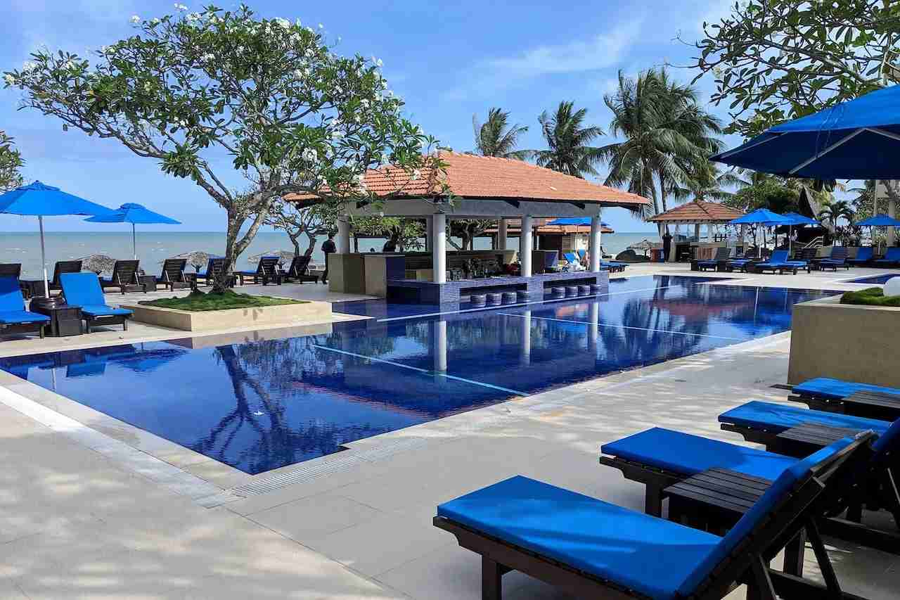 Hyatt Regency Kuantan pool