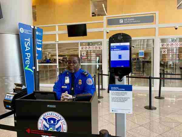 tsa-precheck-desk-biometric-atlanta-delta-atl-airport-security