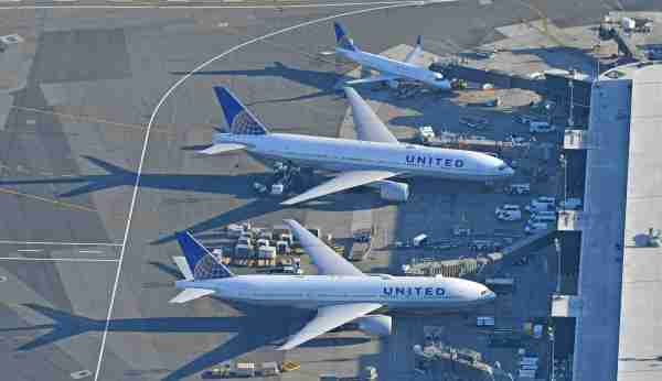 United aircraft at Newark airport (Photo by Alberto Riva / The Points Guy)