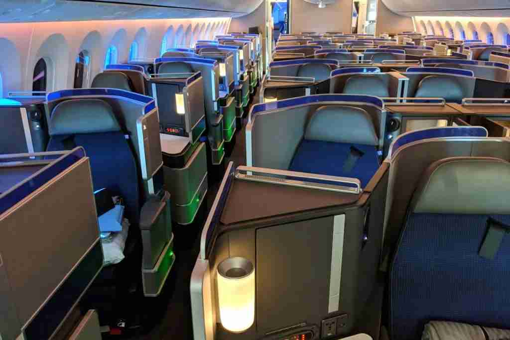 United's Boeing 787-10 Dreamliner Polaris cabin shot on the Pixel 3. (Image by Zach Honig / The Points Guy)