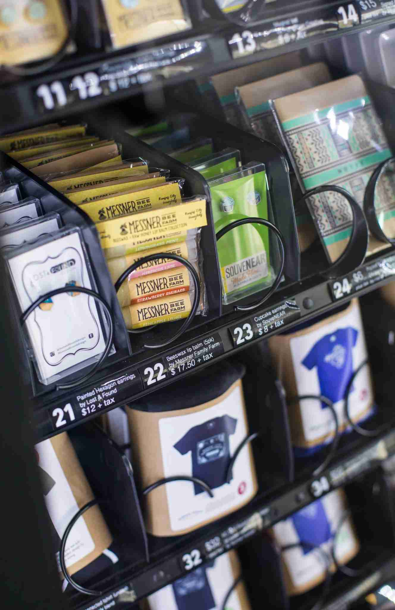 Travelers can now shop for souvenirs via vending machines at a growing number of US airports. (Image courtesy of Sally Morrow photography)