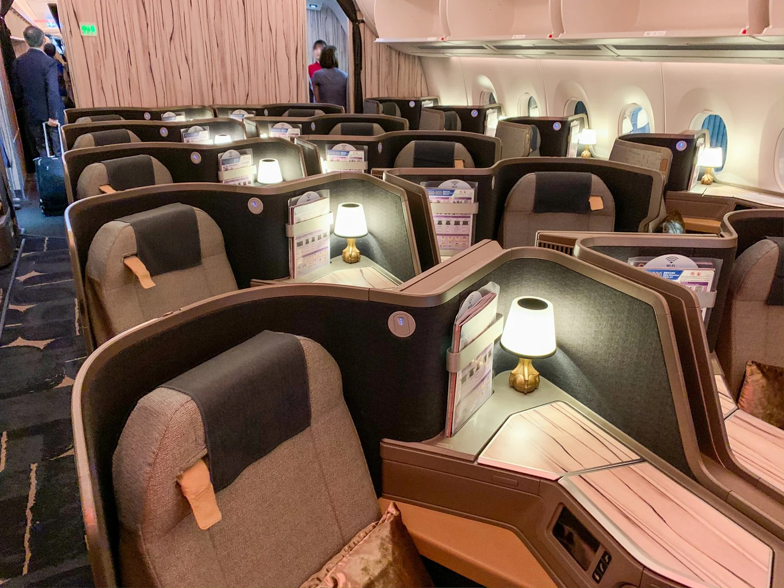 Golden elegance: A review of China Airlines business class on the Airbus A350