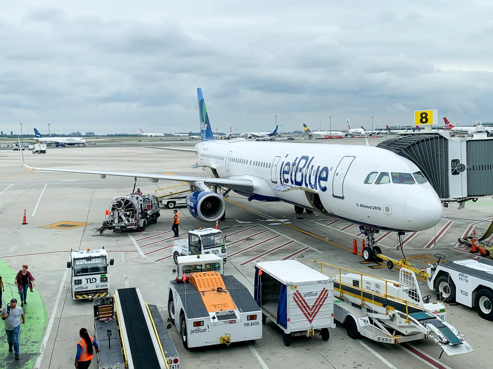 You can now buy your way to JetBlue Mosaic status for 2020