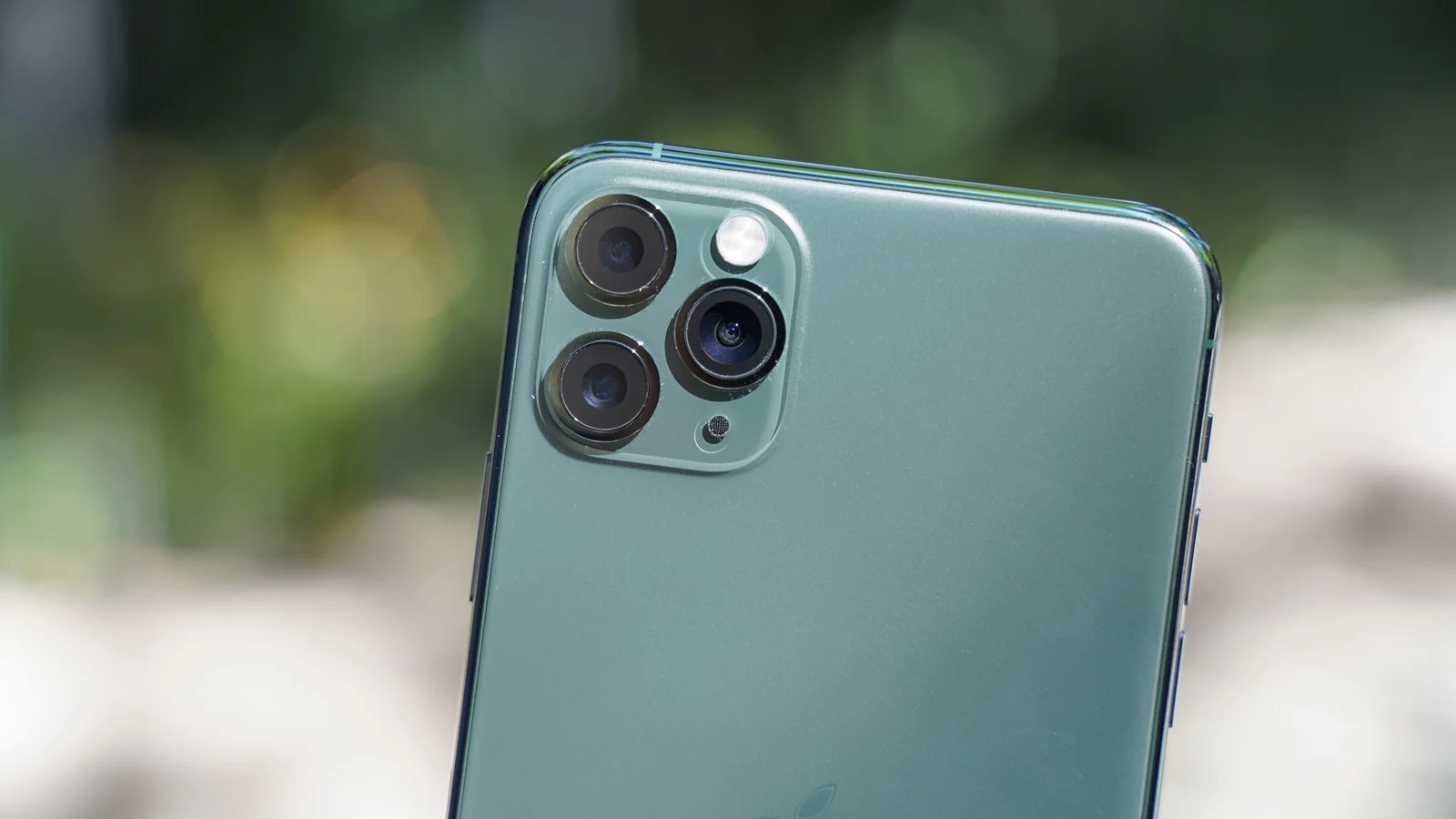 Apple S Camera Killer A Review Of The Iphone 11 Pro Max