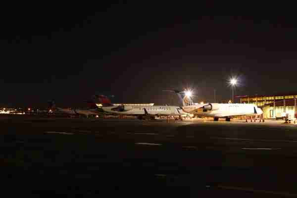 Delta and United jets at Sloulin Field in Williston, North Dakota. (Photo courtesy of the City of Williston)