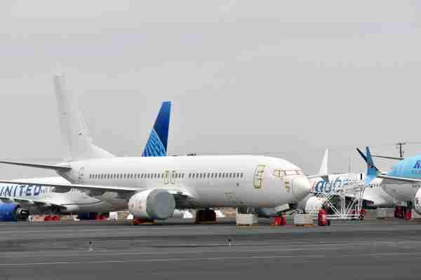在737号电视上,在10月20日,在太平洋,芝加哥。……阿尔伯克基·阿道夫·卡弗里