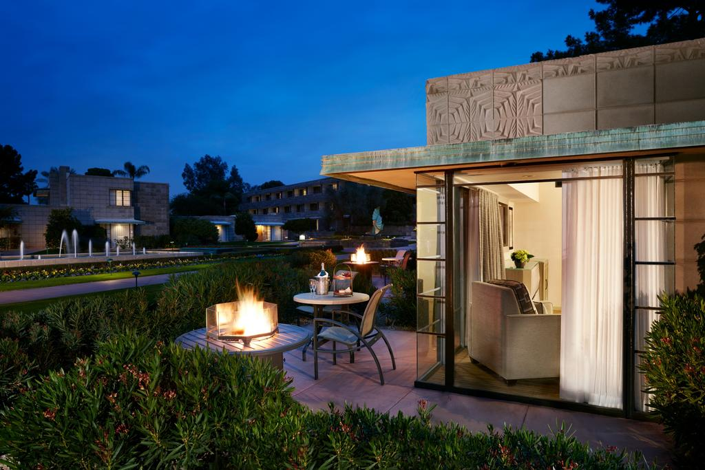 A Cottage Room with Patio Firepit at the Arizona Biltmore, A Waldorf Astoria Resort. (Photo courtesy of Booking.com)