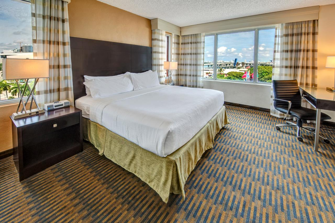 Holiday Inn Port of Miami (Photo courtesy of Booking.com)