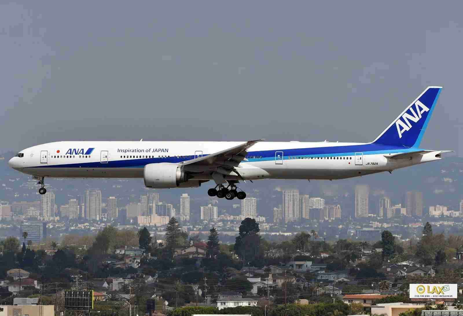 ANA Boeing 777-300ER from the H Hotel LAX (Photo by Alberto Riva/The Points Guy)