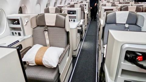 ICYMI: Biz class flights under $1k, SkyMiles flash sale and more