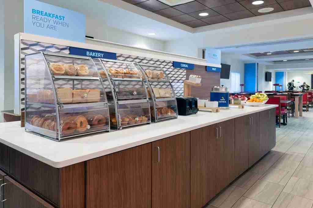 The free breakfast spread at the Holiday Inn Express & Suites Nearest Universal Orlando (Photo courtesy of Booking.com)