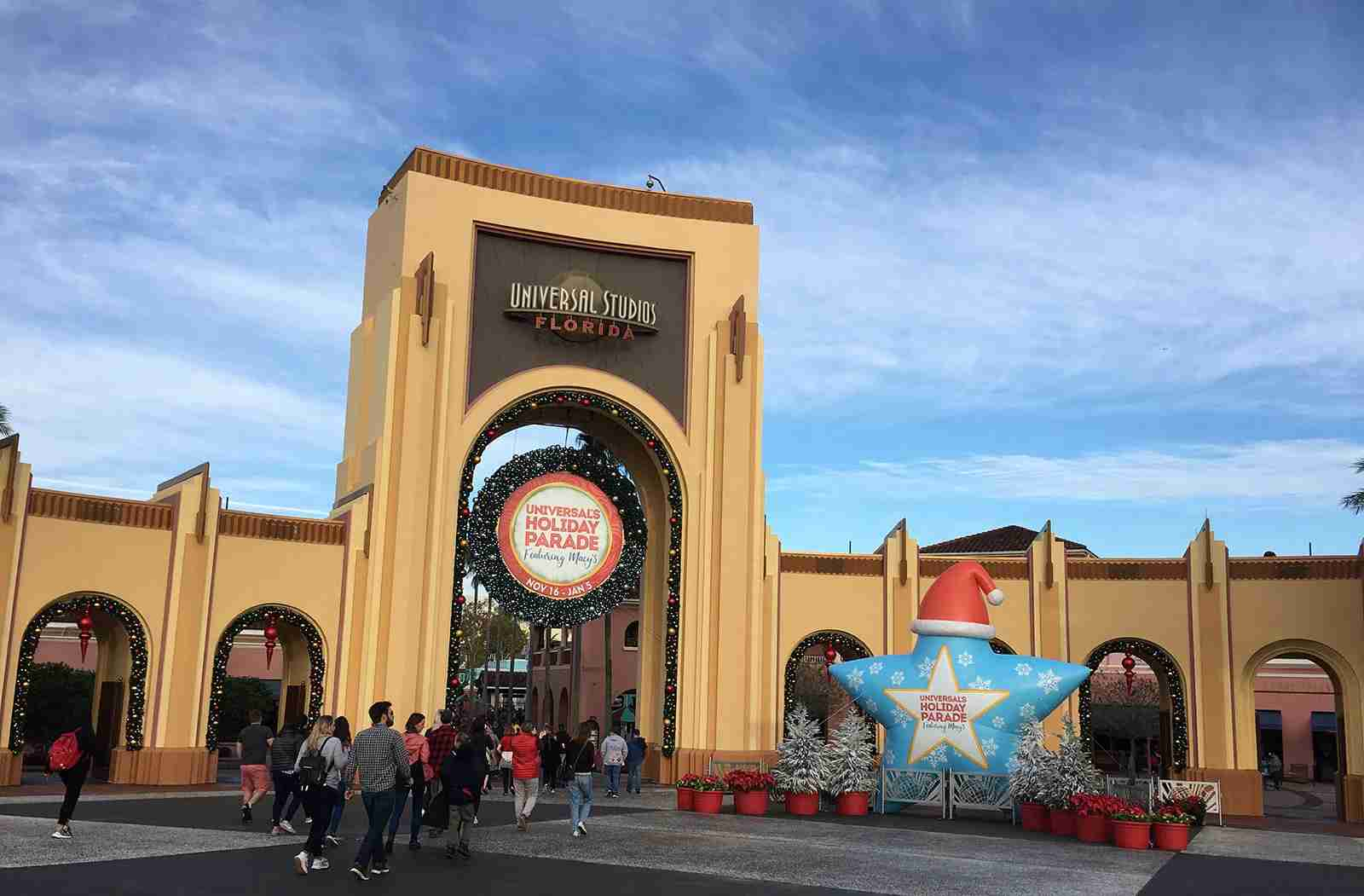 The entrance to Universal Studios. (Photo by Andrea M. Rotondo/The Points Guy.)