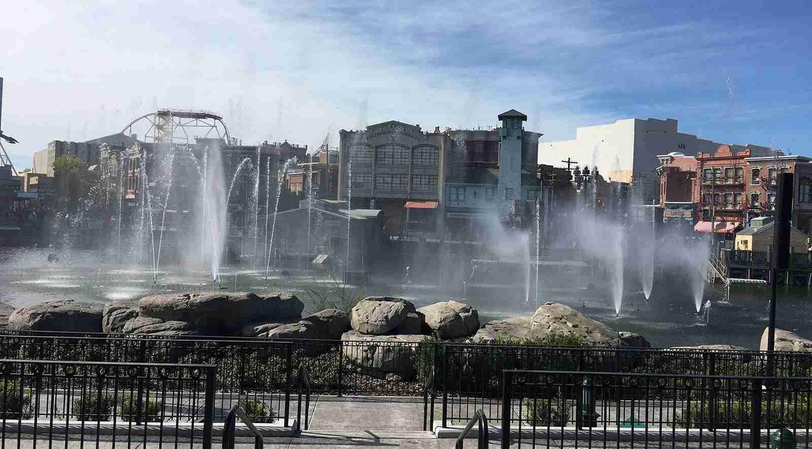 Universal Studios fountain show