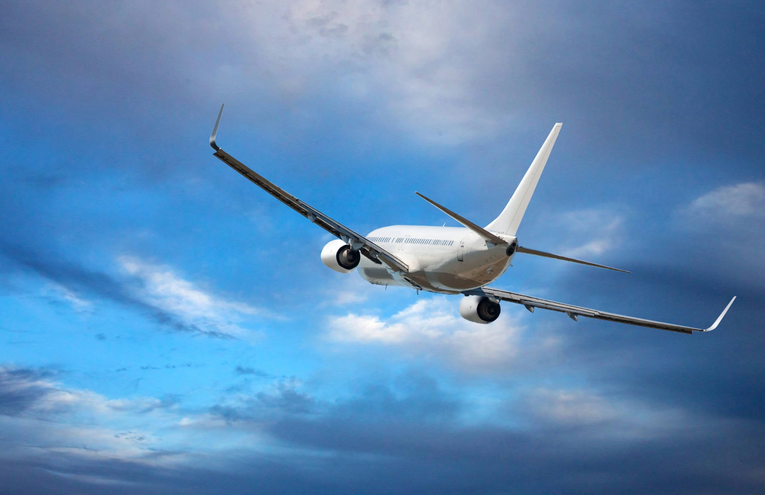How and why pilots dump fuel during a flight
