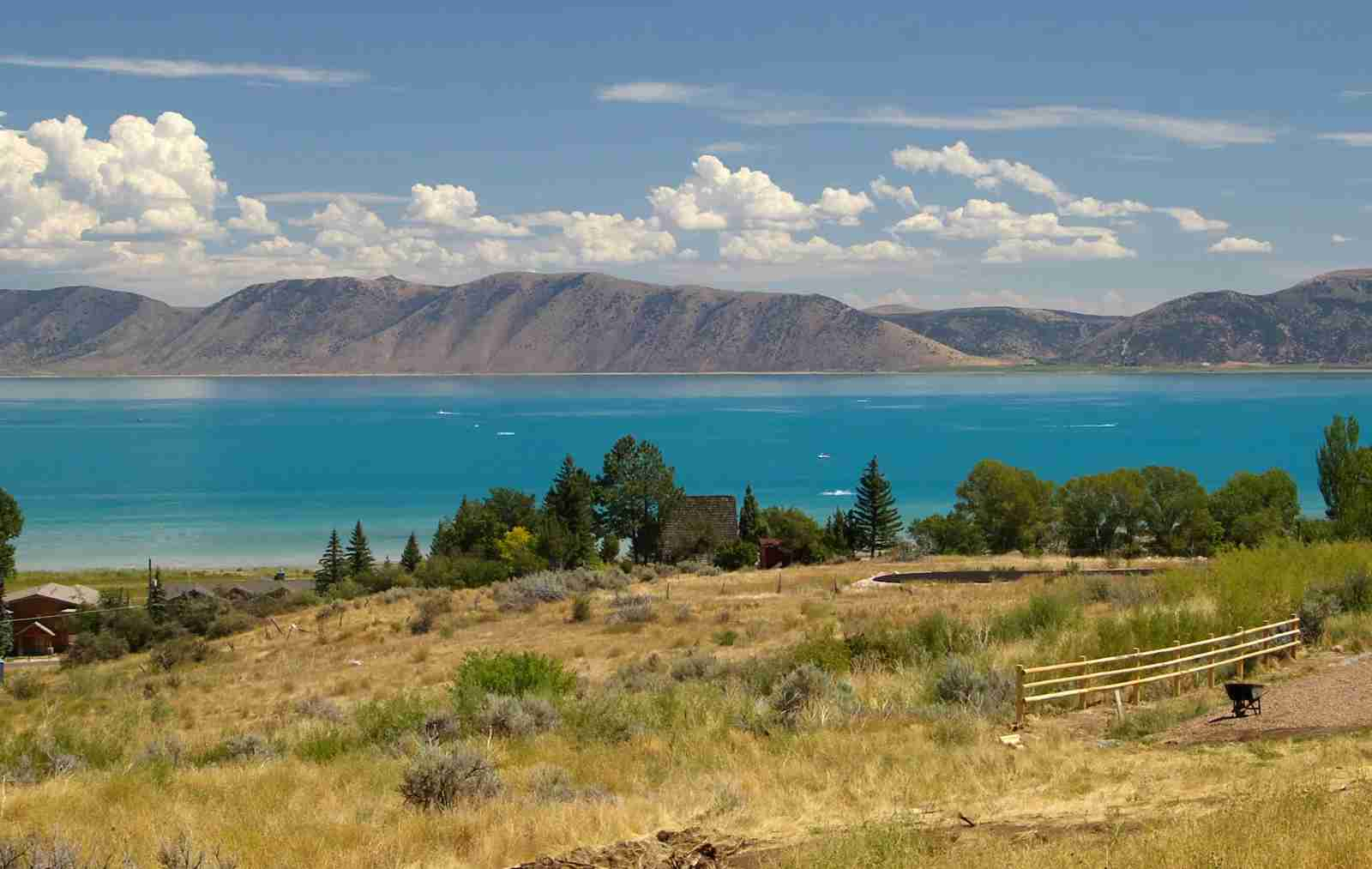 Bear Lake in Utah and Idaho. (Photo by Ron Reiring/Getty Images)