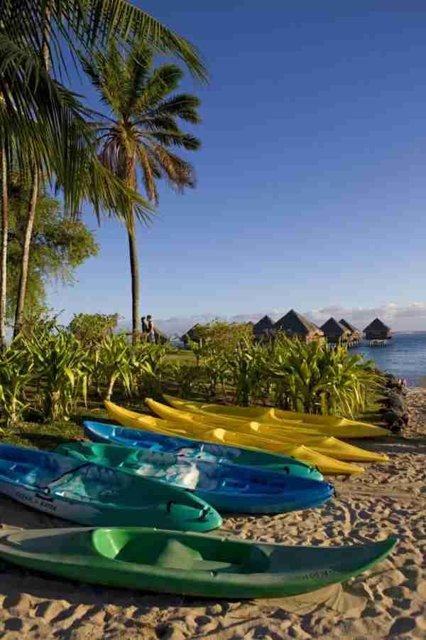 FRENCH POLYNESIA, WINDWARD ISLANDS, HOTEL MERIDIEN IN PUNAAUIA. (Photo by Sylvain GRANDADAM /Gamma-Rapho via Getty Images)