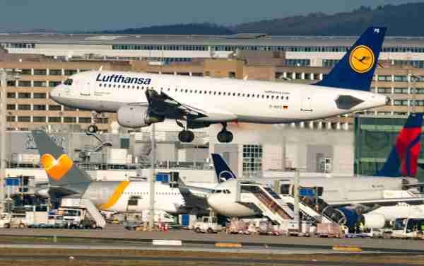 11 February 2020, Hessen, Frankfurt/Main: A Lufthansa jet lands on schedule at Frankfurt Airport in the morning. Flight operations at Germany