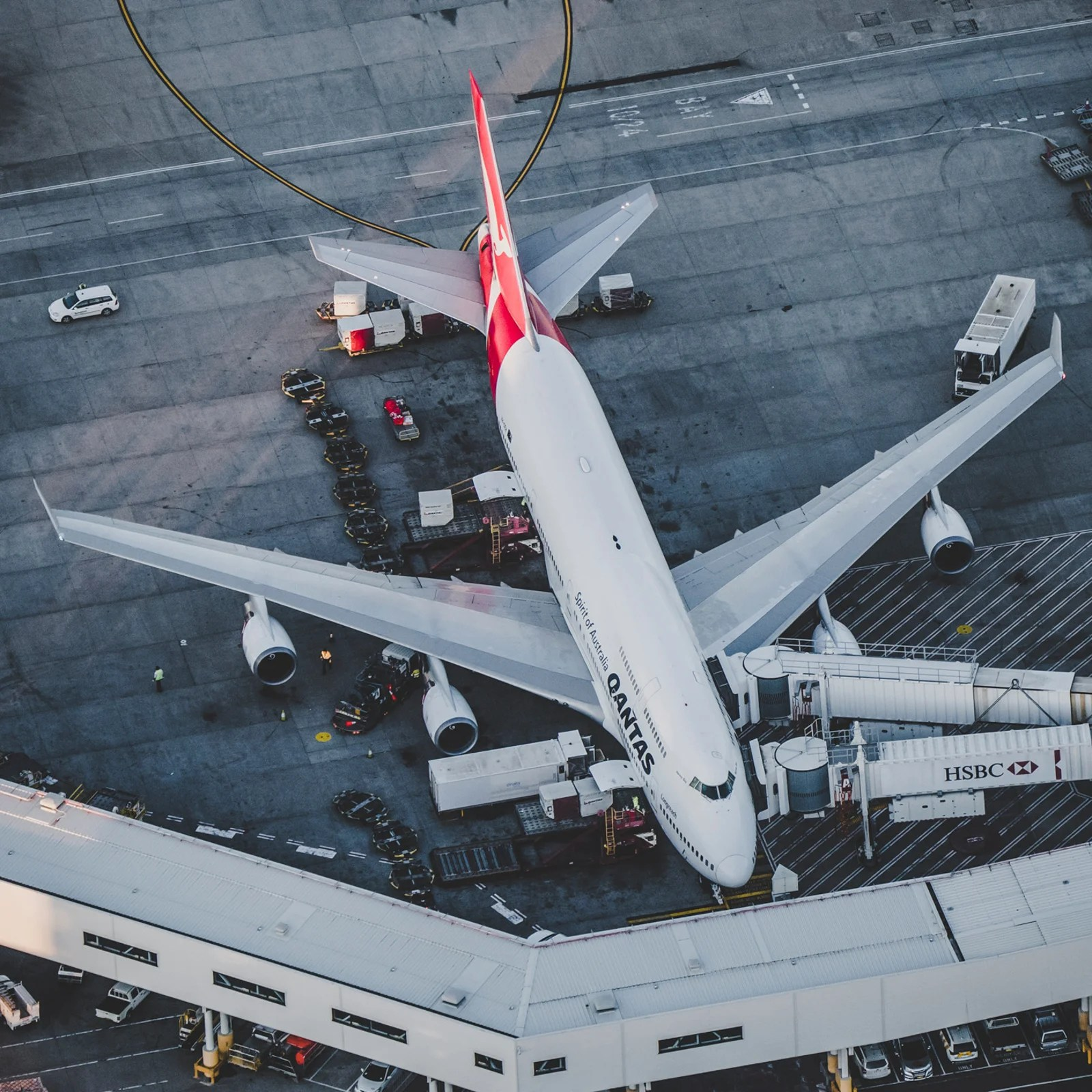 Why US airlines should follow Qantas' lead and extend all members' elite status