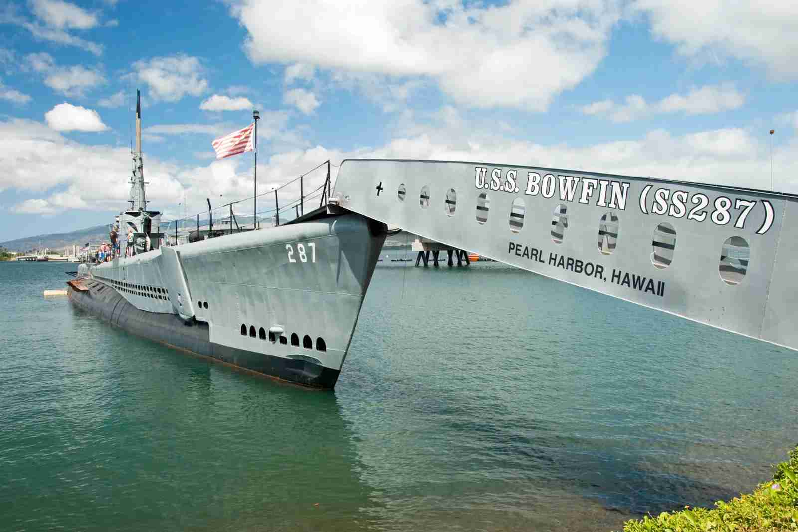 The USS Bowfin submarine in Pearl Harbor Museum is a great spot to bring kids. (Photo by Vacclav / Getty Images)