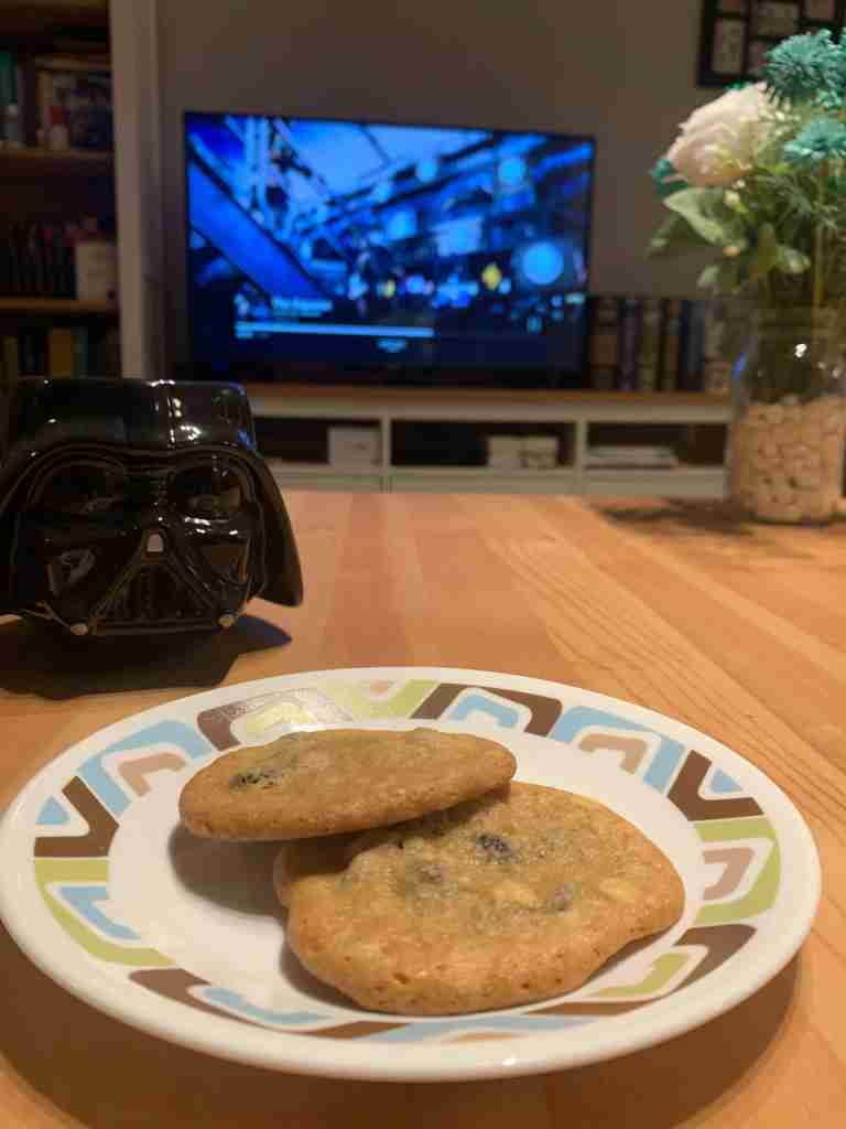 Cookies in front of the tv