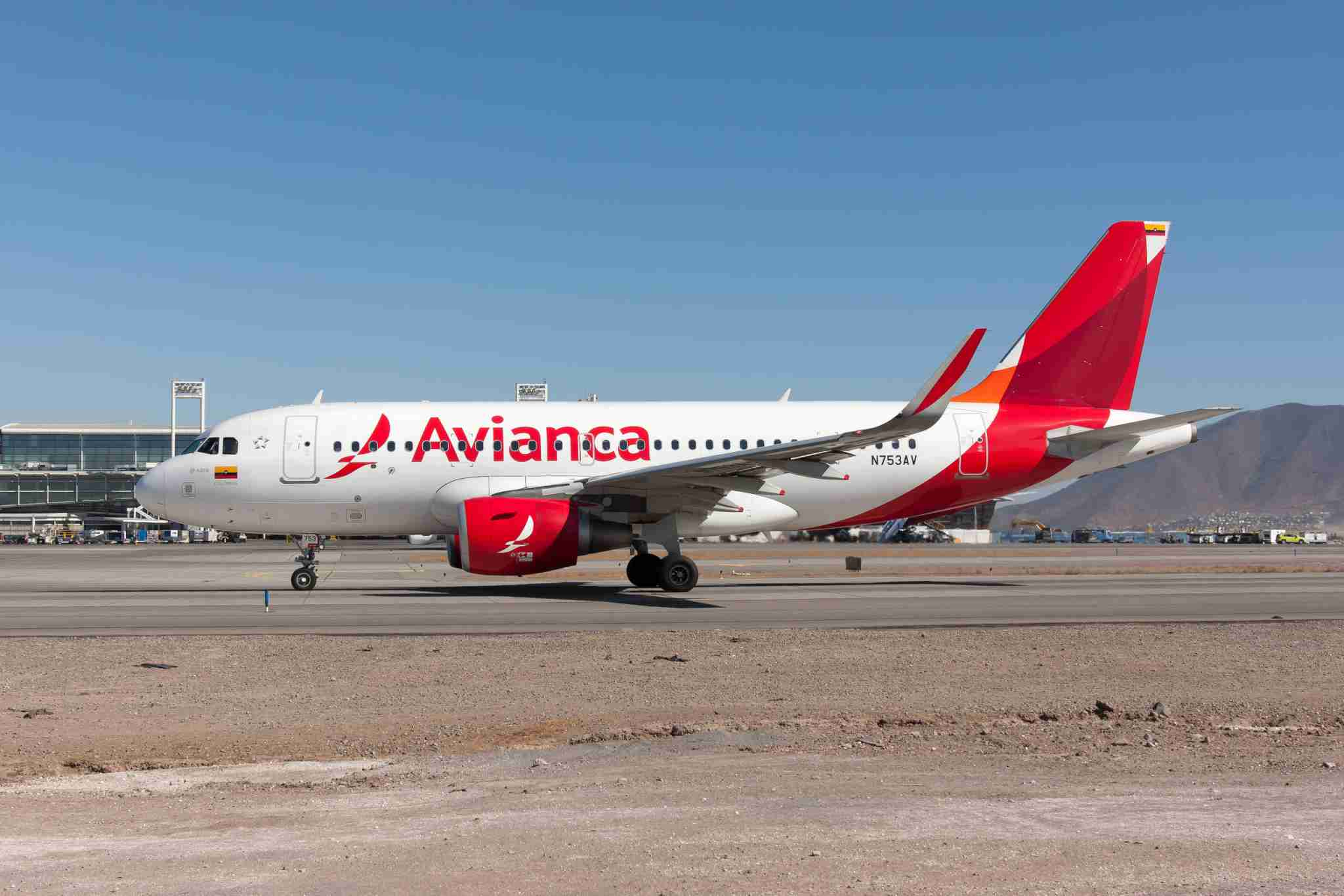 ARTURO MERINO BENITEZ AIRPORT, SANTIAGO, CHILE - 2019/03/19: An Avianca Airbus 319 taxiing at Santiago airport. (Photo by Fabrizio Gandolfo/SOPA Images/LightRocket via Getty Images)