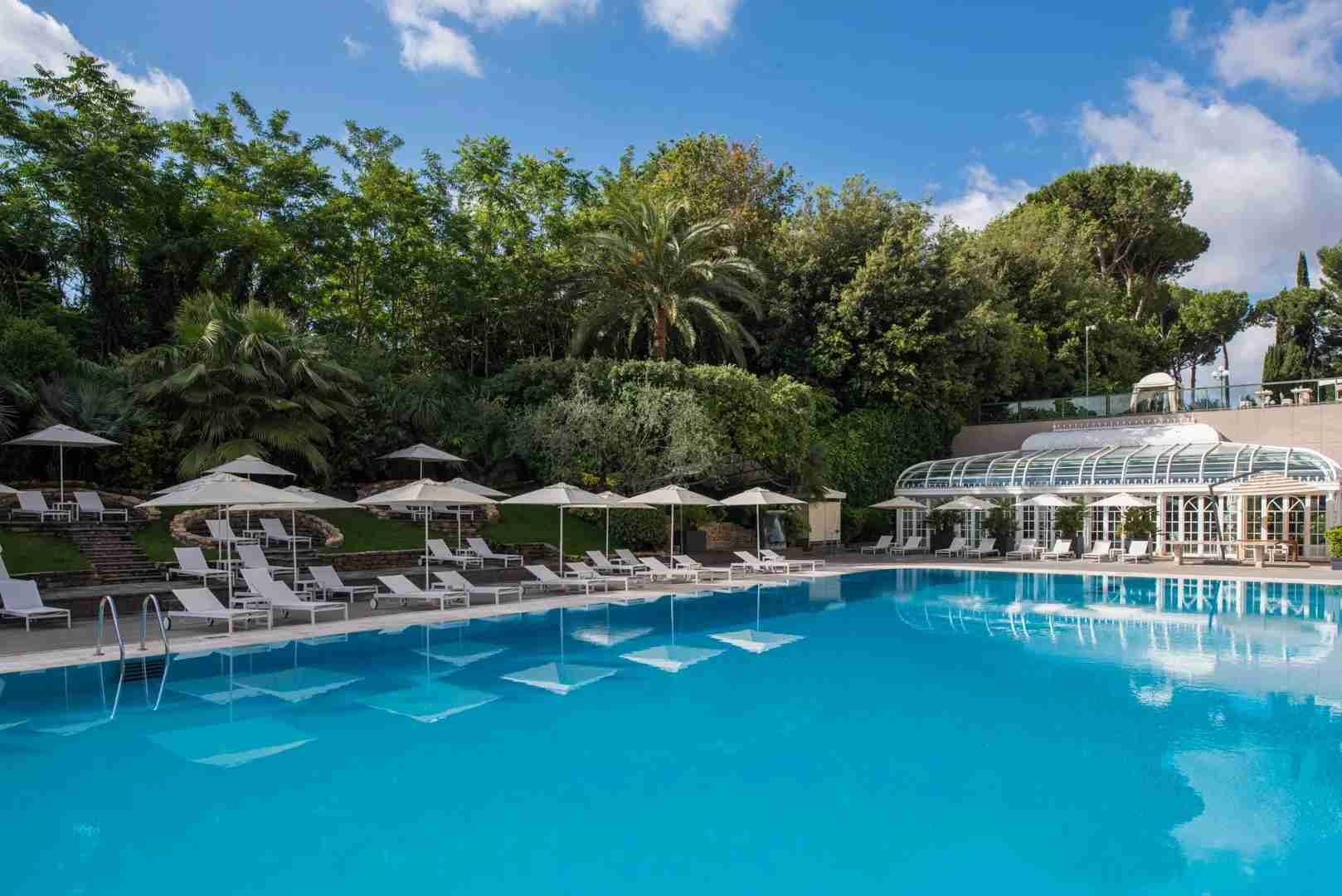 Poolside paradise at Rome Cavalieri, A Waldorf Astoria Resort. (Photo courtesy of Waldorf Astoria)